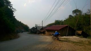 バンビエンからルアンパパーンへのバイク旅